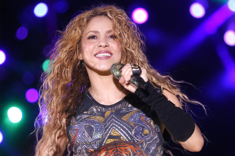 (180713) -- ARIZ (LEBANON), July 13, 2018 (Xinhua) -- Colombian pop star Shakira performs in a special concert during Cedars International Festival in Ariz, Lebanon, on July 13, 2018. (Xinhua/Bilal Jawich) (Photo by Xinhua/Sipa USA)