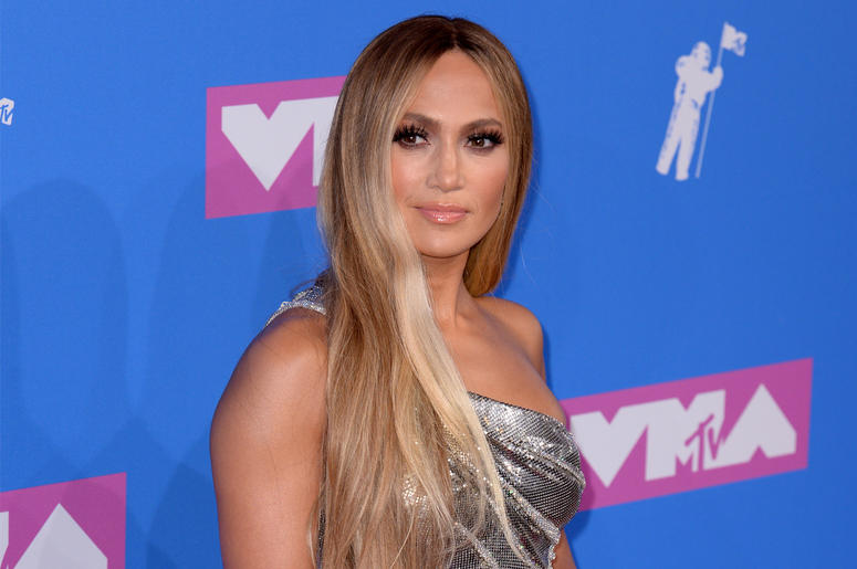 8/20/2018 - Jennifer Lopez attending the 2018 MTV Video Music Awards held at Radio City Music Hall in Los Angeles, USA. Picture date: Monday August 20, 2018. See PA Story SHOWBIZ VMAs. Photo credit should read: PA/PA Wire (Photo by PA Images/Sipa USA)