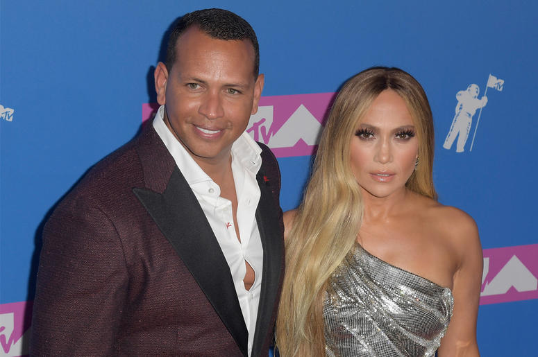NEW YORK, NY - AUGUST 20: Alex Rodriguez and Jennifer Lopez (R) attend the 2018 MTV Video Music Awards at Radio City Music Hall on August 20, 2018 in New York City. (Photo by ISO/SIPA USA)