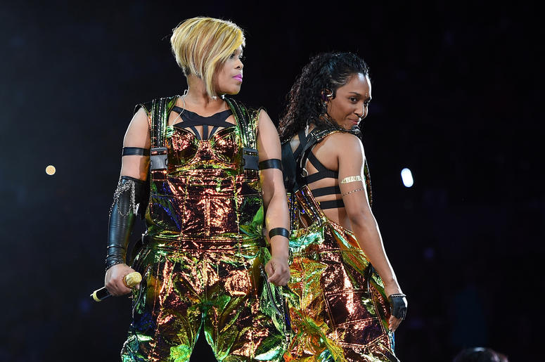LAS VEGAS, NV - MAY 01: Recording artists Tionne 'T-Boz' Watkins (L) and Rozonda 'Chilli' Thomas of TLC perform during the kickoff of The Main Event tour at the Mandalay Bay Events Center on May 1, 2015 in Las Vegas, Nevada. (Photo by Ethan Miller/Getty I