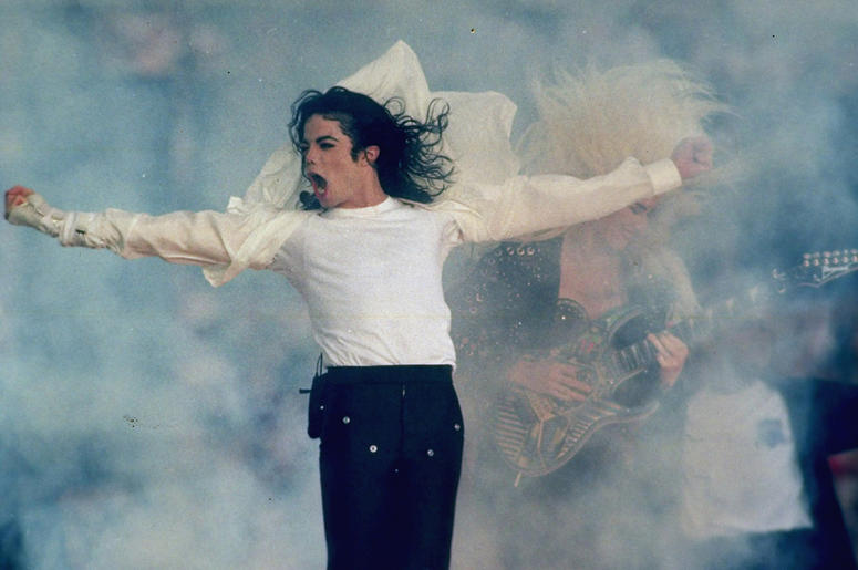 """In this Jan. 31, 1993, file photo, Michael Jackson performs during the halftime show at the Super Bowl XXVII in Pasadena, Calif. Jackson's estate and IMAX are partnering to digitally remaster """"Michael Jackson's Thriller 3D"""" into IMAX 3D. The partnership w"""