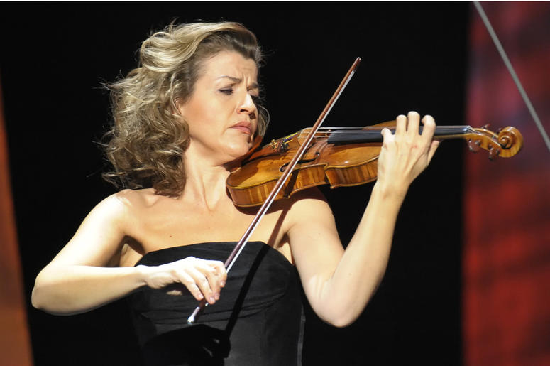 In this Thursday, Dec. 18, 2008 file photo, German violinist Anne-Sophie Mutter performs during the Jose Carreras Gala rehearsal in Leipzig, eastern Germany. American rapper and DJ Grandmaster Flash, German violinist Anne-Sophie Mutter and international m