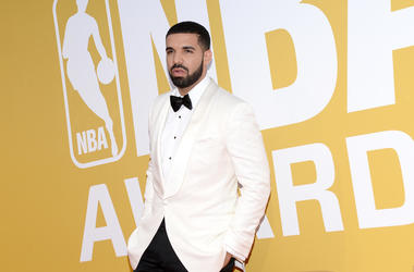 Drake attends the 2017 NBA Awards