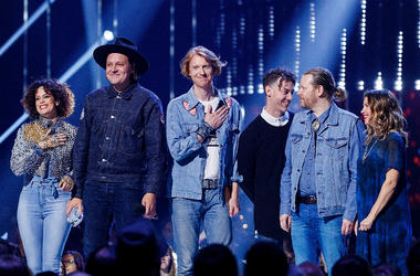 Regine Chassagnes, Win Butler, Richard Reed Parry, Jeremy Gara and Tim Kingsbury of Arcade Fire receive the award during the 2018 JUNO Awards