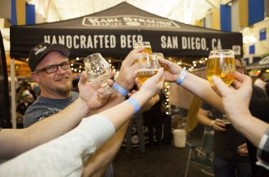 Beer Trivia Fun Cheers Friends Final Gravity Trivia Night Art of Beer Taproom Bottle Shop