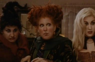 ""\""""Hocus Pocus"""" is one of the many Halloween classics you can watch for nearly free this coming Halloween. Vpc Halloween Specials Desk Thumb""380|250|?|en|2|e45e7b383bc81e1e5ca97c63f325ca9b|False|UNLIKELY|0.3260354995727539