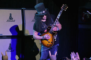 Slash Plays Whiskey a Go Go
