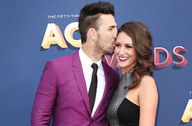 Jake Owen, Erica Hartlein