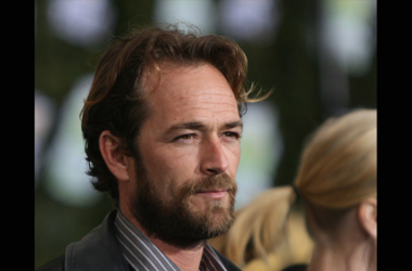 FEBRUARY 19: Actor Luke Perry arrives at Chevy Rocks The Future at the Buena Vista Lot at The Walt Disney Studios February 19, 2008 in Burbank, California. (Photo by Mark Davis/Getty Images)