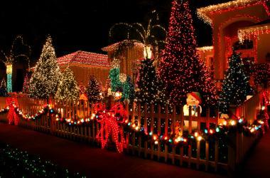 Christmas Card Lane.San Diego Sunny 98 1 Fm