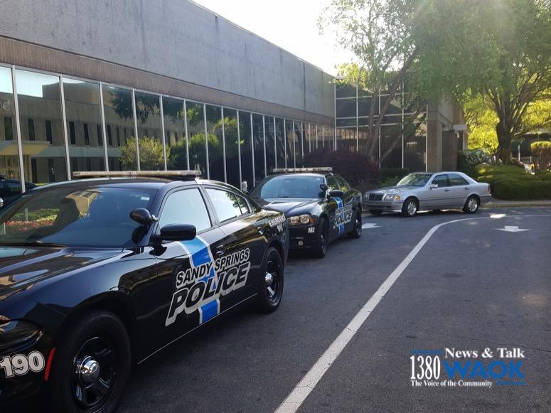 Sandy Springs police respond to shooter