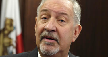 File - This Friday, Sept. 2, 2016 file photo shows attorney Mark Geragos talking to the media during a news conference in downtown Los Angeles.
