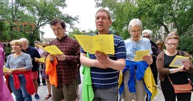 Prayer vigil for immigrant families at Saint Clement Parish