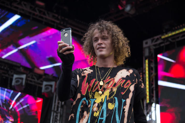7 Cell Phone Hacks You Need To Know For Every Music Festival