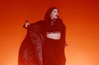 Lorde performs at Melodrama World Tour
