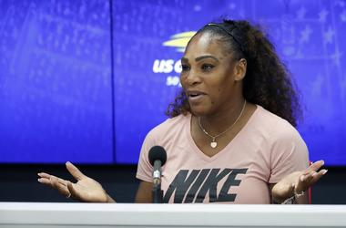 Serena Williams Breast Cancer Awareness Month