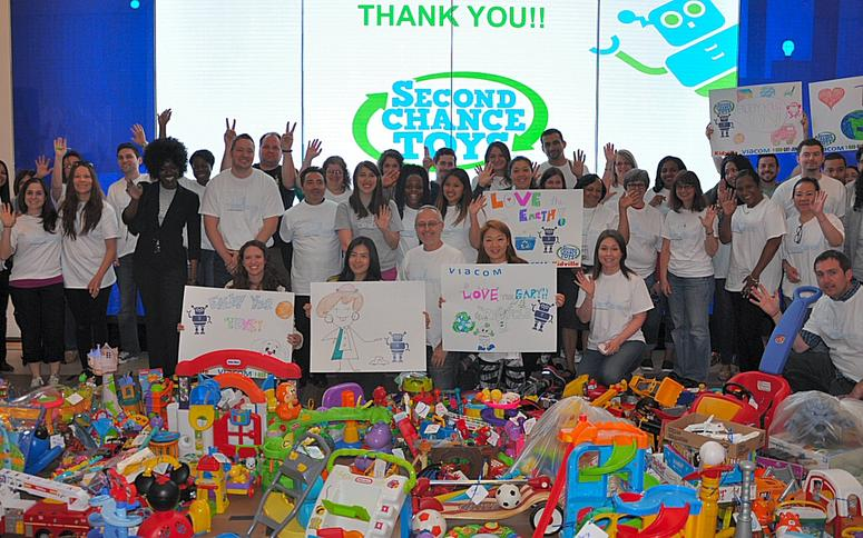 Second Chance Toys Volunteers from Viacom