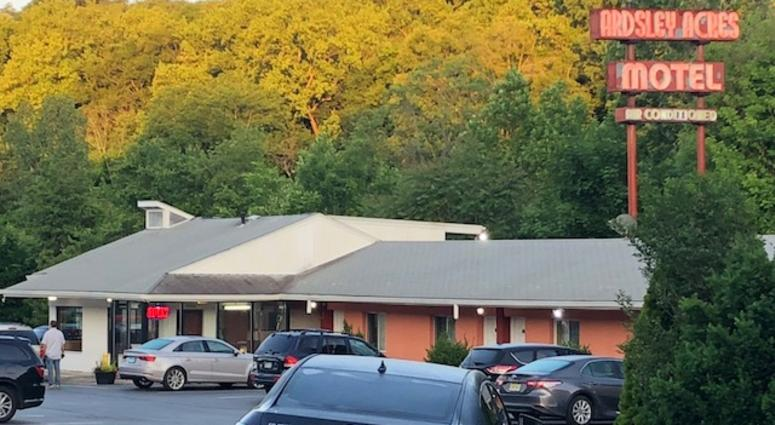 Ardsley Acres Motel