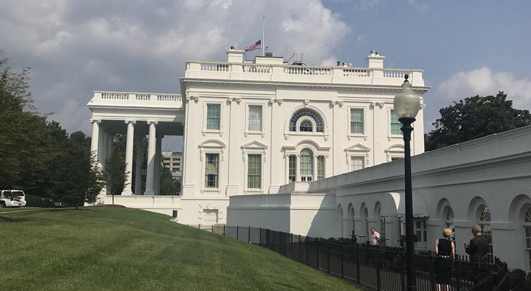 Amazing Flags At White House Raised To Full Staff Lowered Back Download Free Architecture Designs Scobabritishbridgeorg