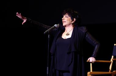 Liza Minnelli performs at the 40th Anniversary Chaplin Award Gala