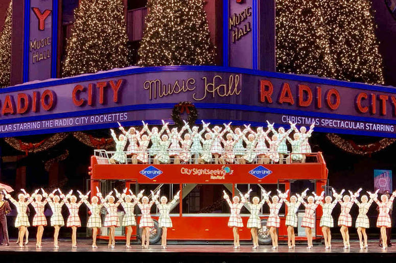 Christmas Music On Radio 2019.The Radio City Rockettes Are Looking For New Dancers Wcbs