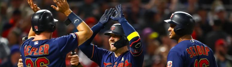 Twins catcher Mitch Garver hits a 3-run homer