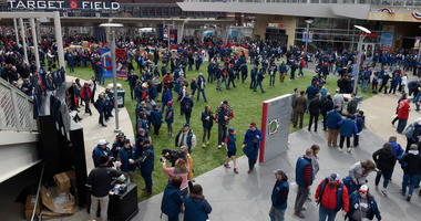 Free Twins watch party set for Target Field tonight