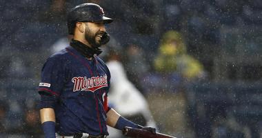 Marwin Gonzalez comes up empty in the rain