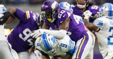 Vikings defense sets the tone against Lions