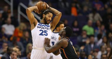 Derrick Rose squares off against the Suns