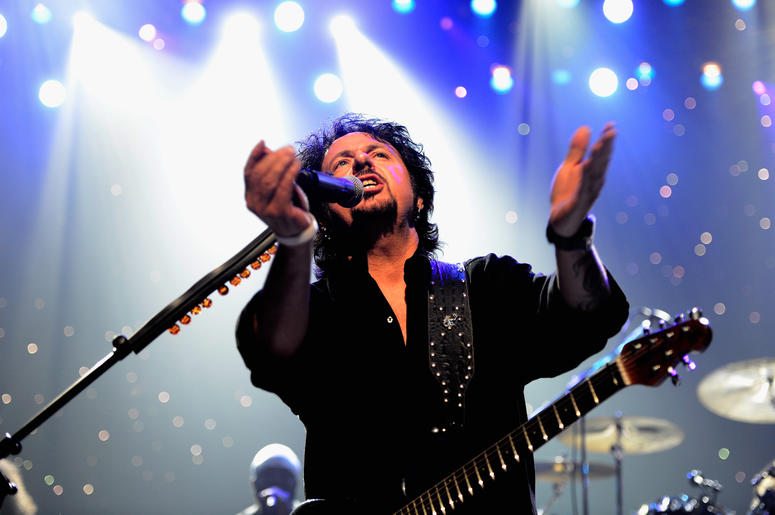 Toto's Steve Lukather covers Weezer