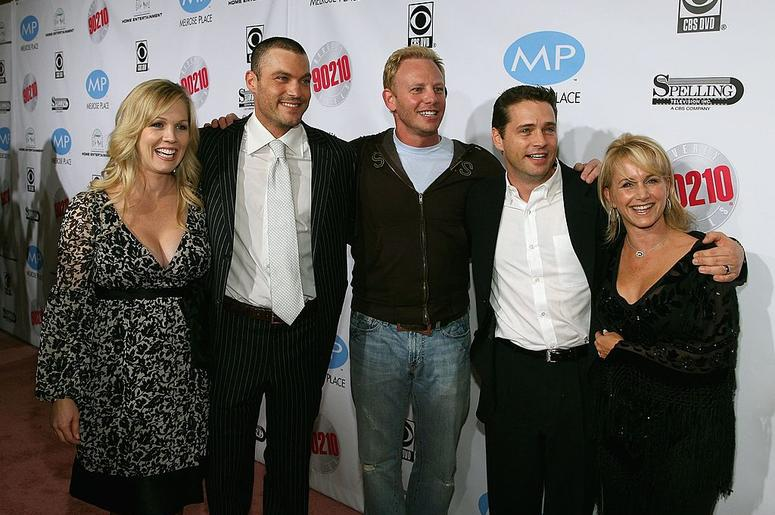 (from left to right) Former cast members Jennie Garth, Brian Austin Green, Ian Ziering, Jason Priestley and Gabrielle Carteris arrive at the Beverly Hills 90210: The Complete First Season DVD Party at The Beverly Hilton Hotel November 3, 2006 in Beverly H