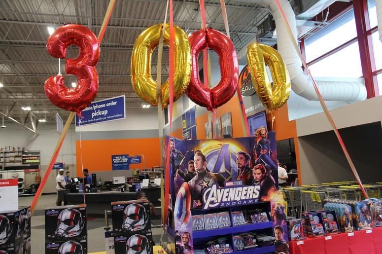 Anthony Russo Avengers: Endgame Signing at Best Buy Cleveland