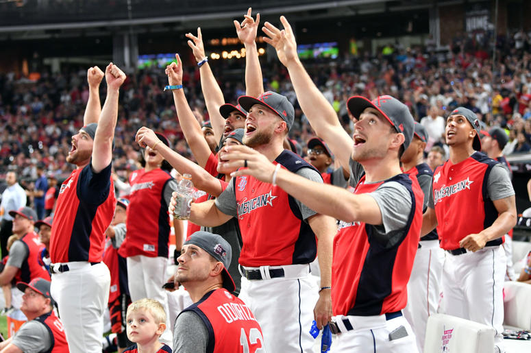 The National League players react in the 2019 MLB Home Run Derby at Progressive Field.