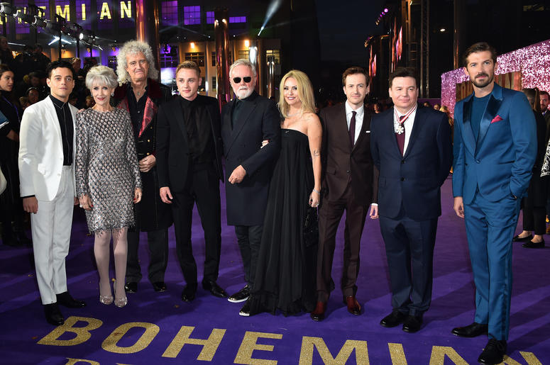 Left to right, Rami Malek, Anita Dobson, Brian May, Ben Hardy, Roger Taylor, Sarina Potgieter, Joseph Mazzello, Mike Myers and Gwilym Lee attending the Bohemian Rhapsody World Premiere held at the the SSE Arena, Wembley, London.