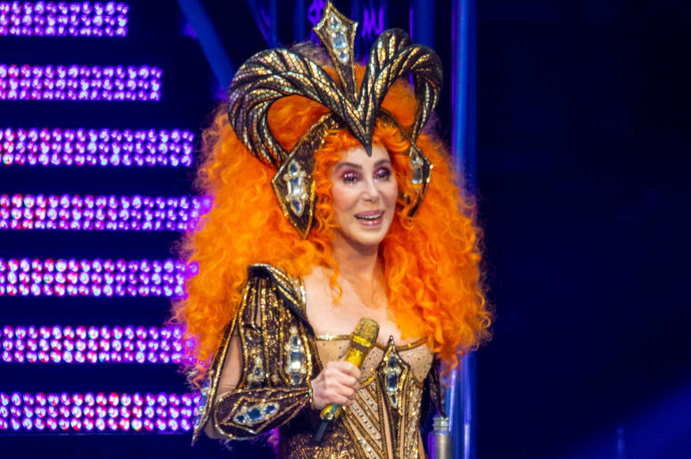 Cher 'Here We Go Again' tour