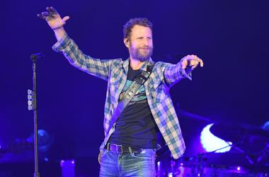 Dierks Bentley performs at the Coral Sky Amphitheatre.