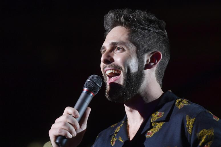 Show host Thomas Rhett talks to the crowd during the 2018 CMA Music Festival.