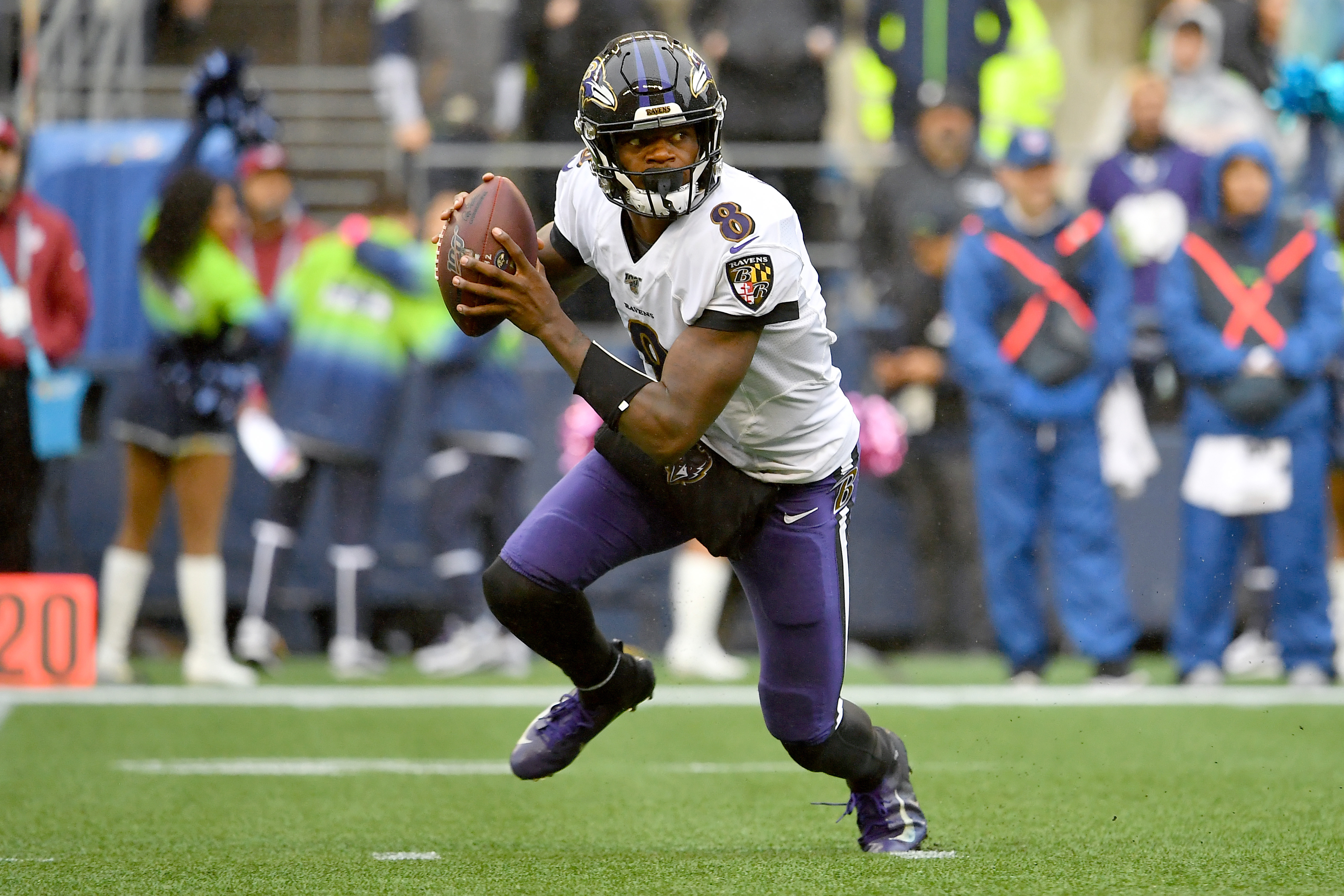 Off Day Mailbag: How will Patriots defend Lamar Jackson?