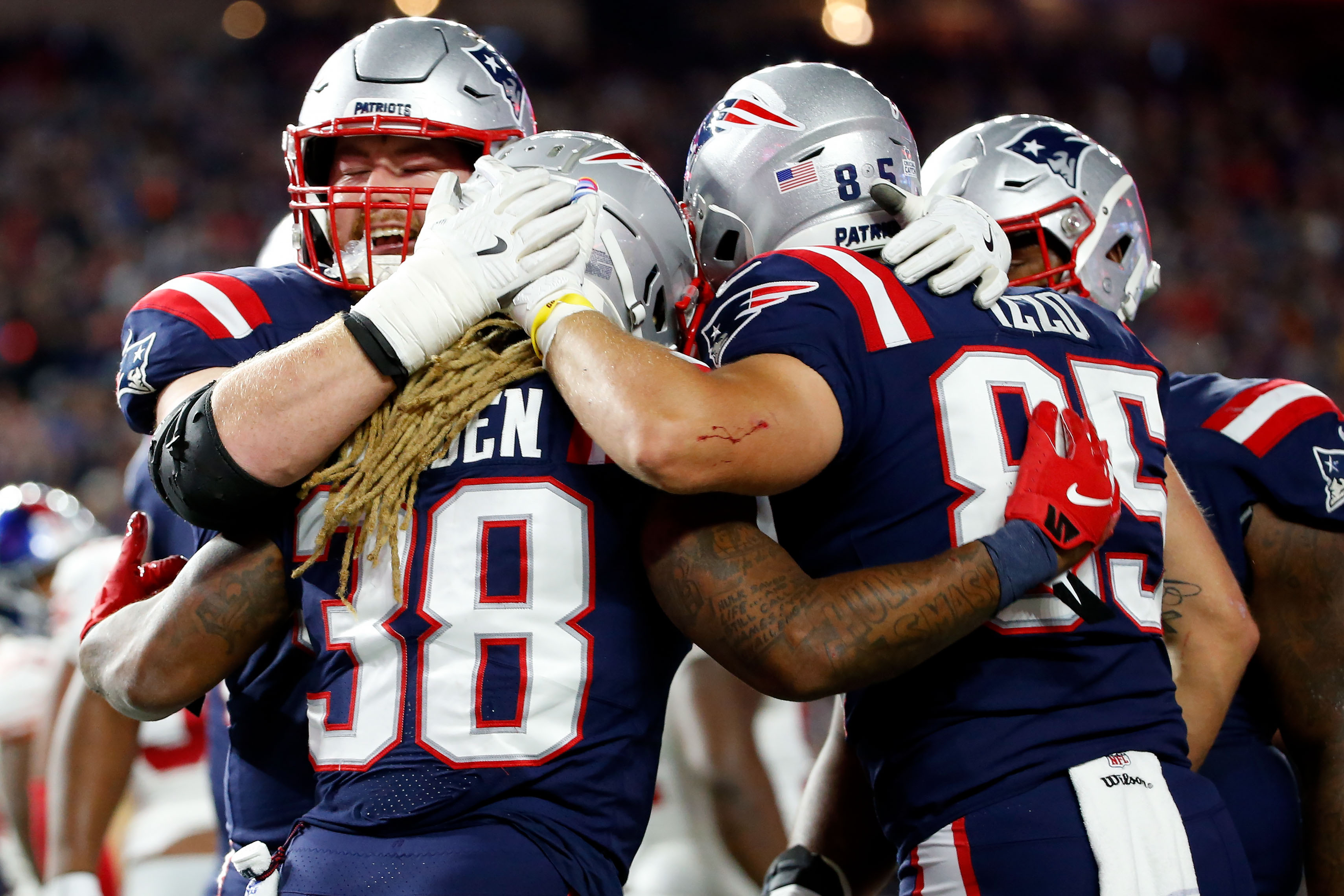 Patriots 35, Giants 14: 10 quick thoughts from injury-filled win