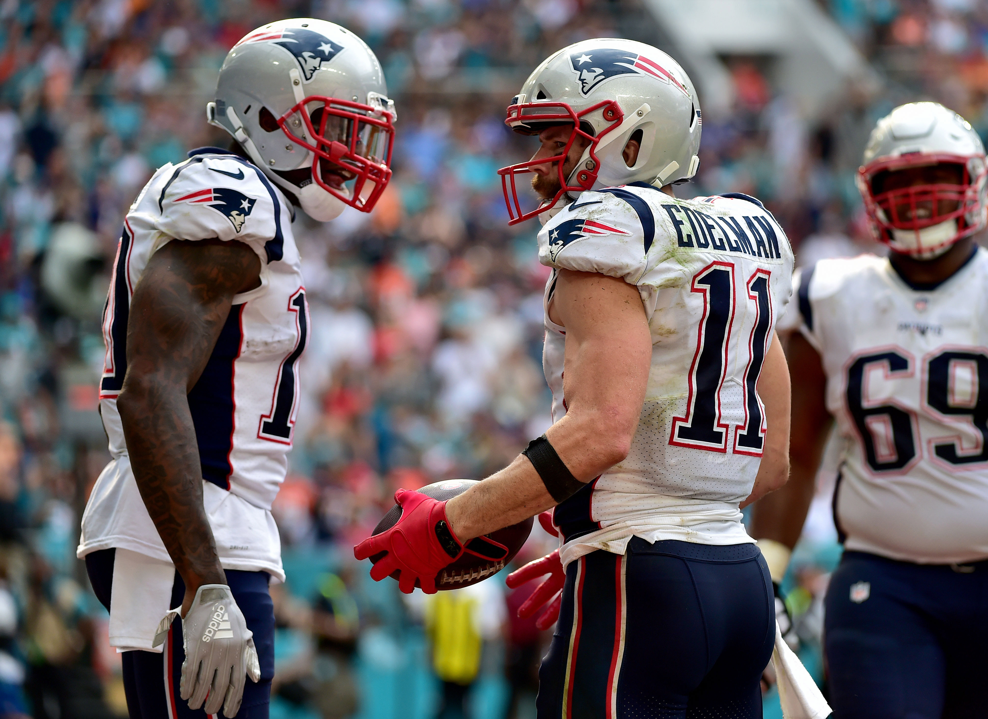 Sunday 7: Josh Gordon returning to Patriots helps, but all is not