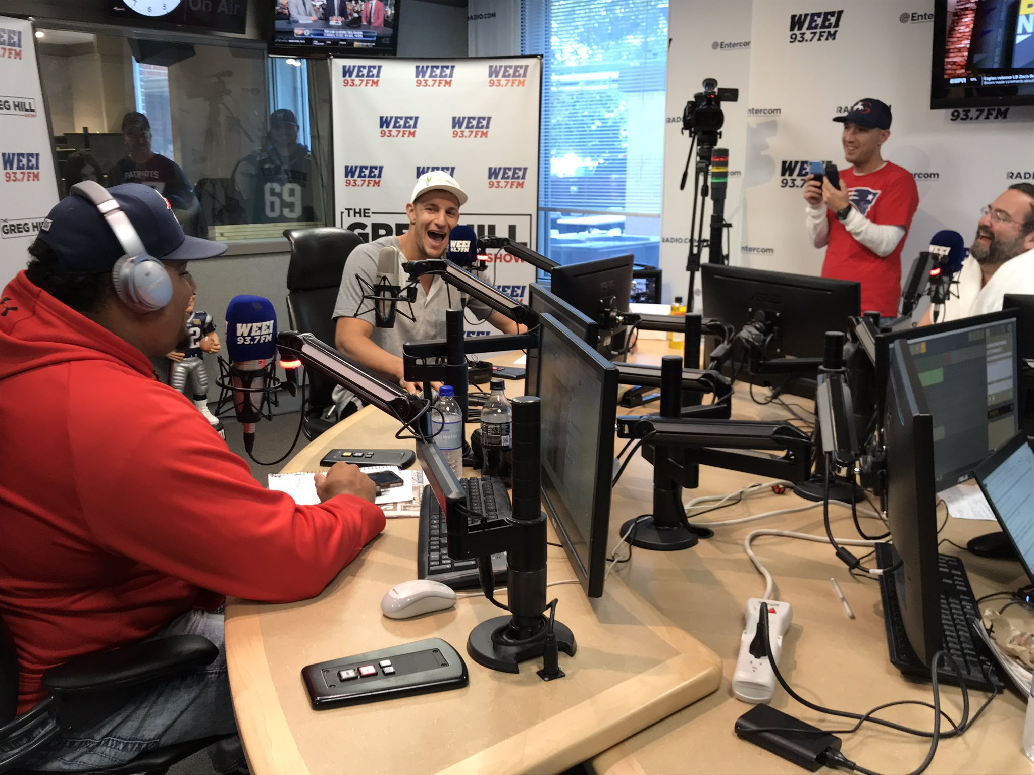 Gronk visits WEEI: 'It's a no' on Patriots comeback