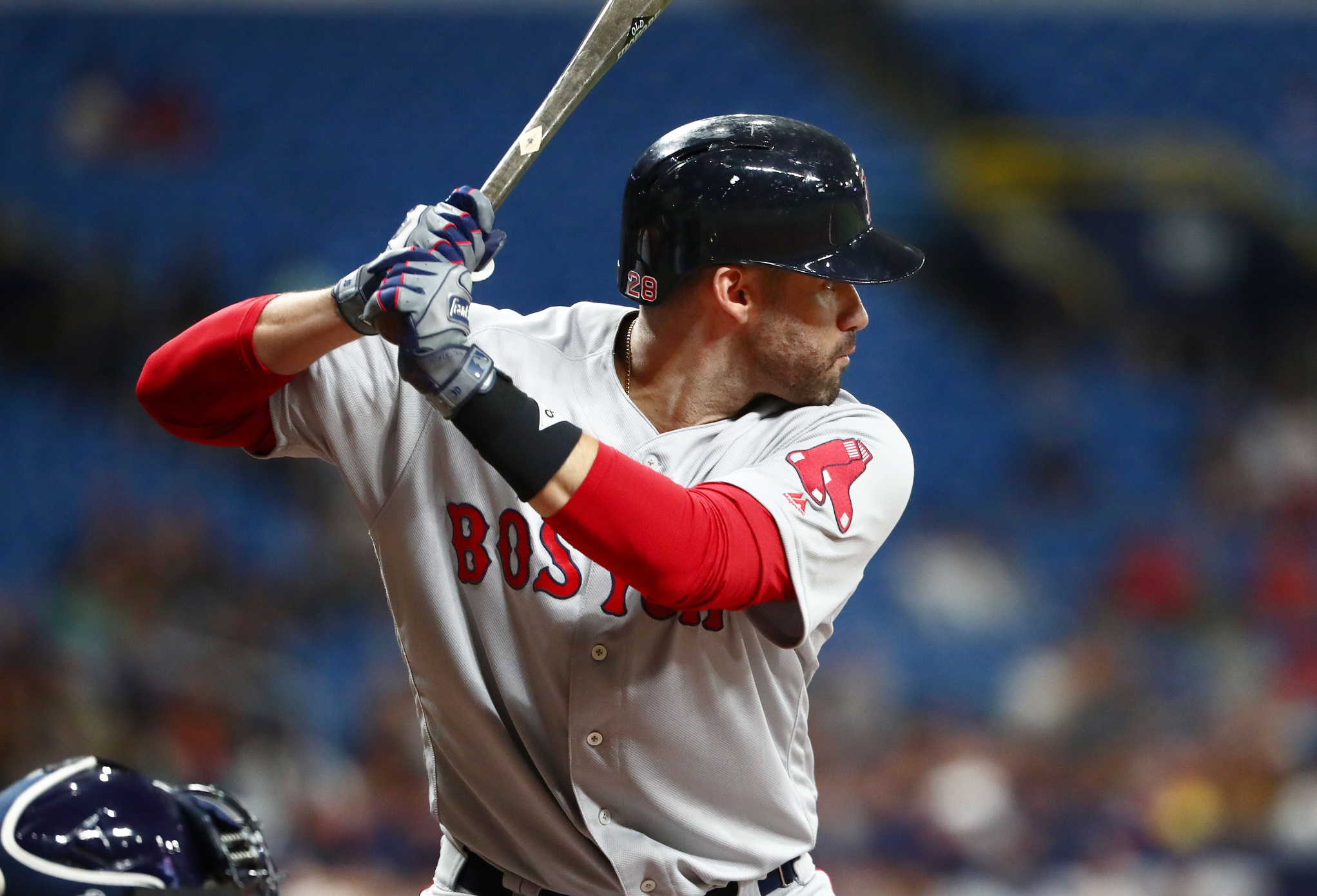 J.D. Martinez decides not to opt-out of deal with Red Sox