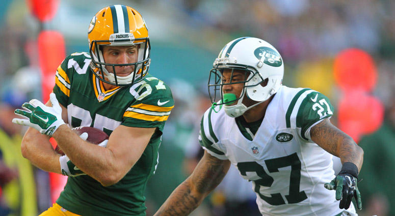 The Jets' Dee Milliner attempts to tackle Packers wide receiver Jordy Nelson on Sept. 14, 2014.