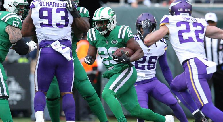 Jets running back Bilal Powell runs the ball against the Minnesota Vikings on Oct. 21, 2018, at MetLife Stadium.