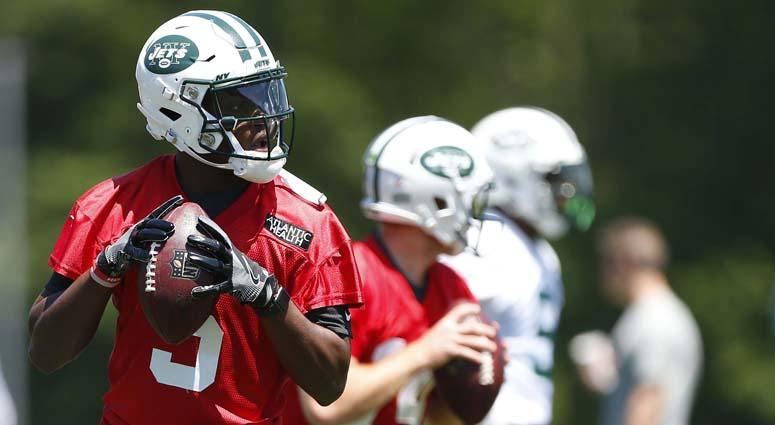 separation shoes 5fea8 b18c2 Jets' Teddy Bridgewater Positive In Comeback From 'Scary ...