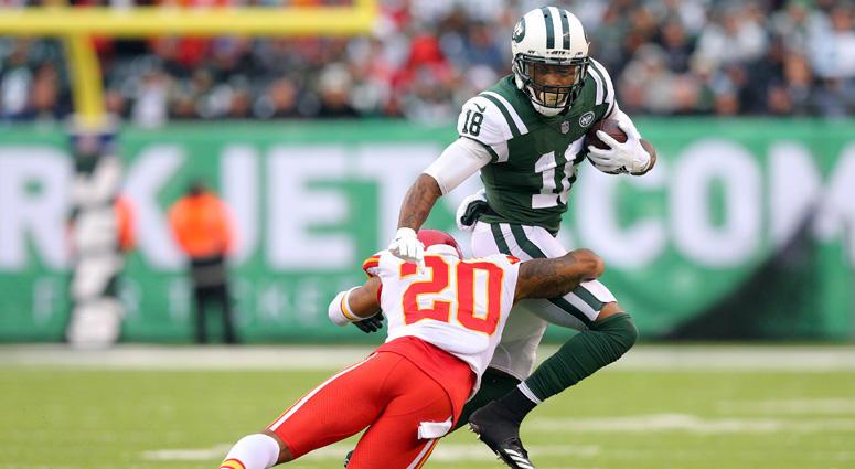 Jets wide receiver ArDarius Stewart runs with the ball against Kansas City Chiefs cornerback Steven Nelson (20) during the third quarter at MetLife Stadium on Dec. 3, 2017.