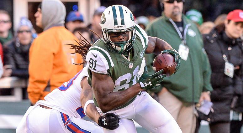 Jets wide receiver Quincy Enunwa breaks a tackle against the Buffalo Bills on Jan. 1, 2017, at MetLife Stadium.