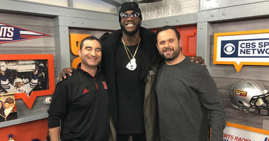 WBC heavyweight champ Deontay Wilder poses with WFAN's Jerry Recco (left) and Gregg Giannotti.
