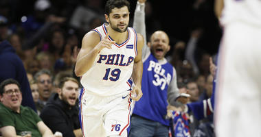 Embiid scores 18, leads 76ers past Hornets